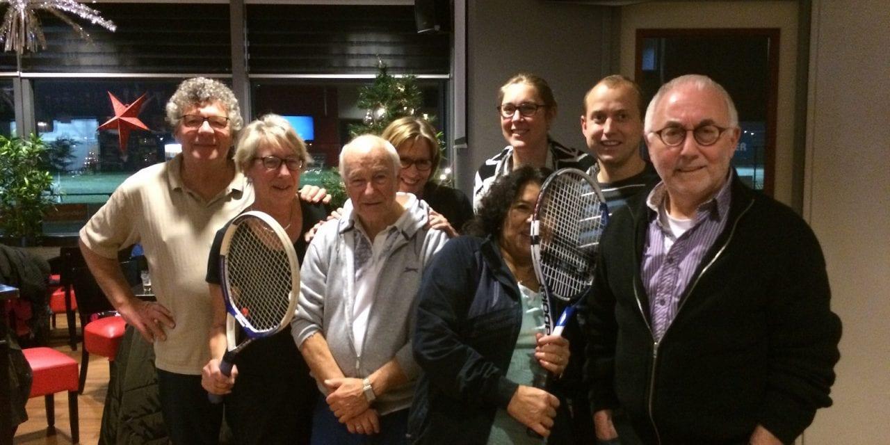 In Beweging: Samen tennissen, ja gezellig!
