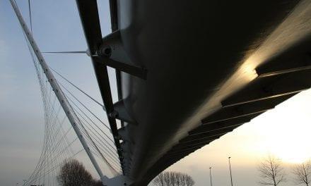 Calatrava in Haarlemmermeer: gauw kijken voor het verroest is