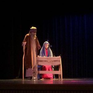 Maria en Jozef in het kerstspel.