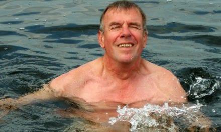 Kees moet zwemmen, ook met tegenzin