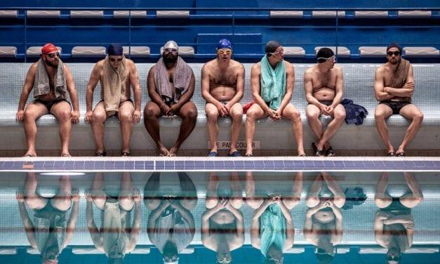 Le Grand Bain, lach en een traan in zwembad