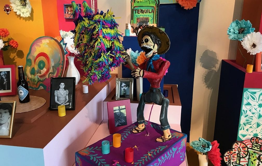 Vier Dia de Muertos en maak kennis met Mexico