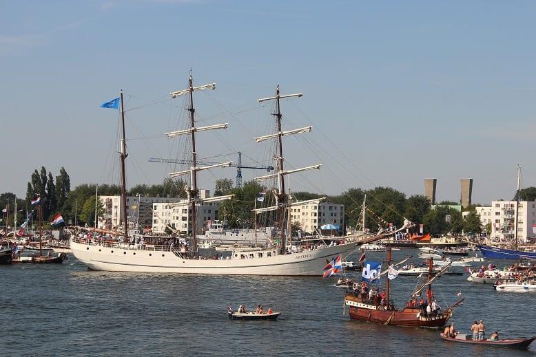 Sail: wind in de zeilen der herinnering